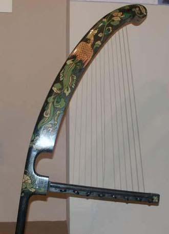 我国一种角形竖琴