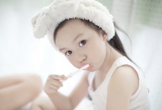 可爱小女孩游戏视频女生偷窃昵称图片
